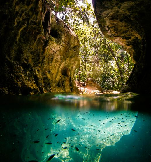 Explore the caves of San Ignacio, Belize